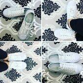 Hay cosas que no pasan de moda. A veces lo más sencillo es lo mejor. Estas zapatillas 👟👟blancas de @lacoste son un claro ejemplo. Básicas y elegantes. Pregunta por ellas en nuestras zapaterías. #oinberrizapateria #oinberribilbao #oinberribarakaldo #oinberridurango #oinberrieibar #zapatillas #zapatillasmujer #zapatillasblancas #confort #zapatillascomodas #modamujer